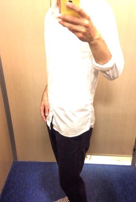 白シャツ 腕まくり ジョガー